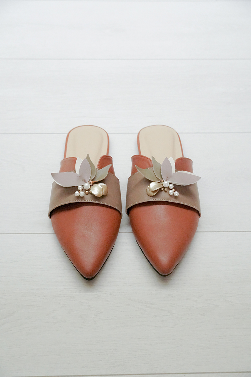 [Pre-Order Batch 2] Eilis Brown Mules