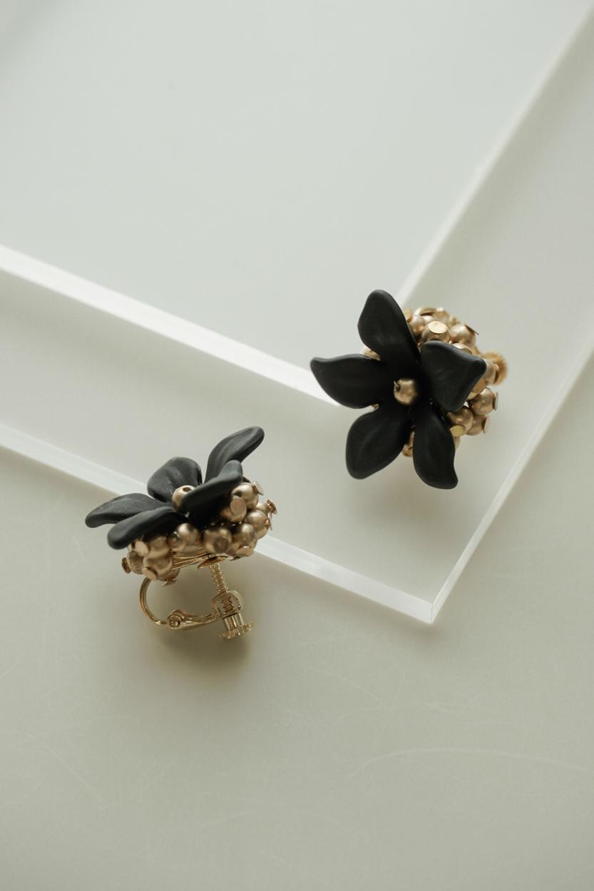 Girona - Clip Earrings